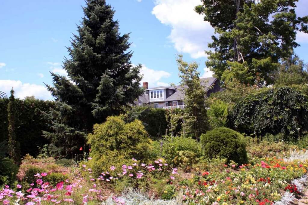 Die Kingsbrae Gardens in New Brunswick © Copyright Monika Fuchs, TravelWorldOnline