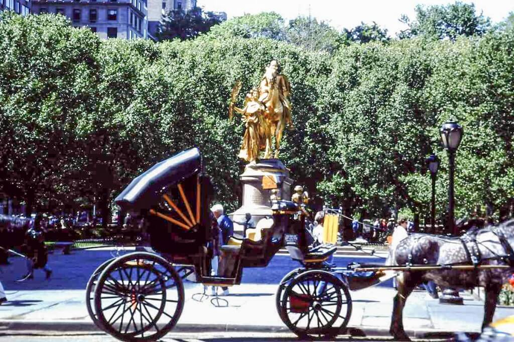 Horse-drawn carriages at Central Park in New York © Copyright Monika Fuchs, TravelWorldOnline