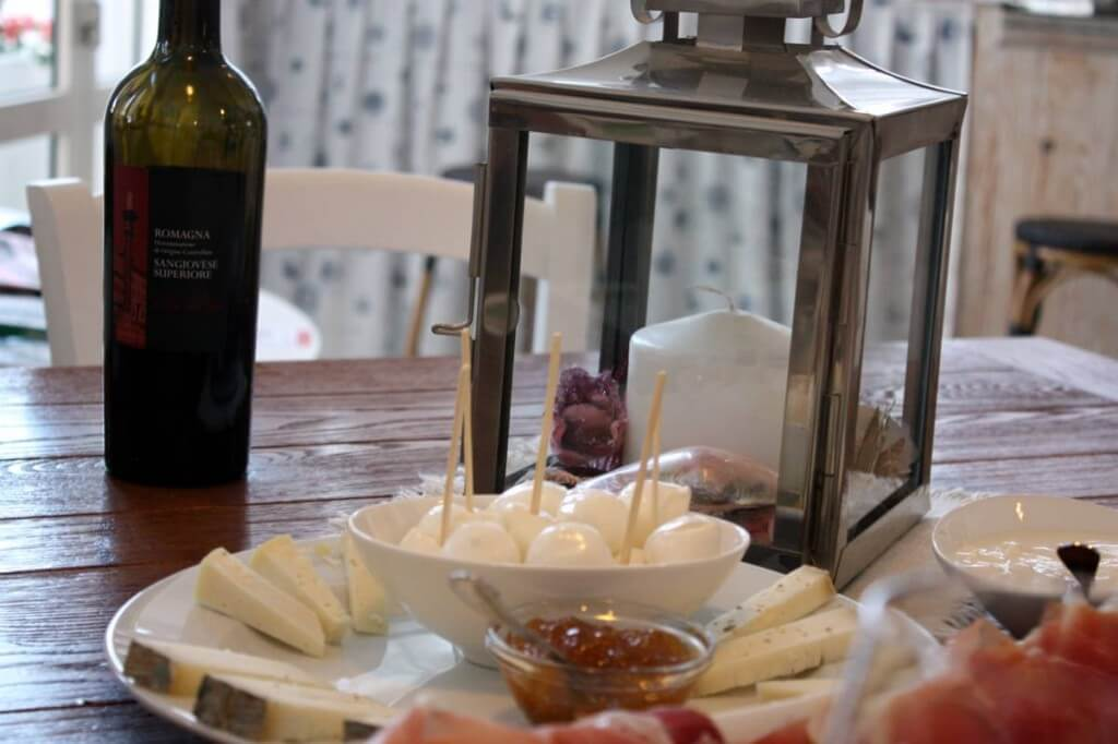 Wine, cheese and figs in the Bagno Magnano