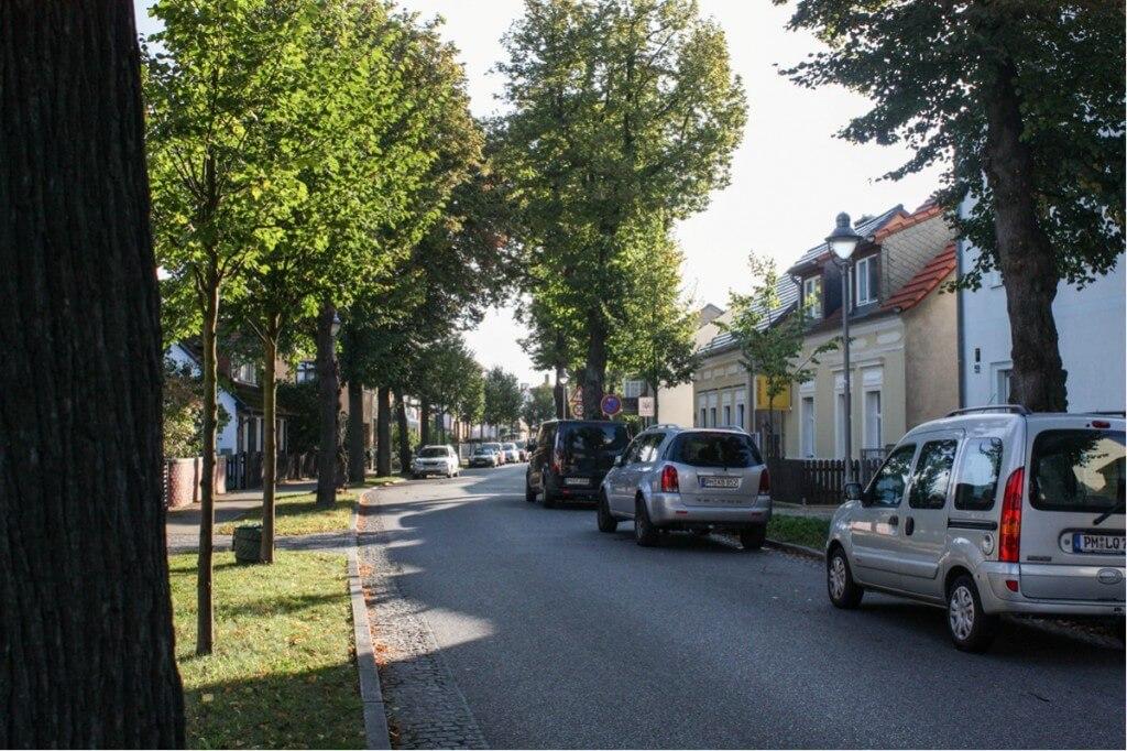 Die Hauptstraße durch Caputh