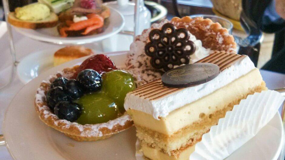 Köstliche Kuchenschnitten zum Dessert