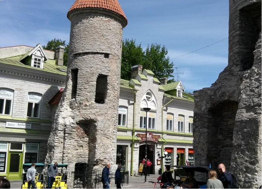 Tallinn Sehenswürdigkeiten - die Lehmpforte