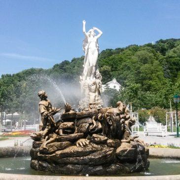 Undine-Brunnen im Kurpark in Baden bei Wien
