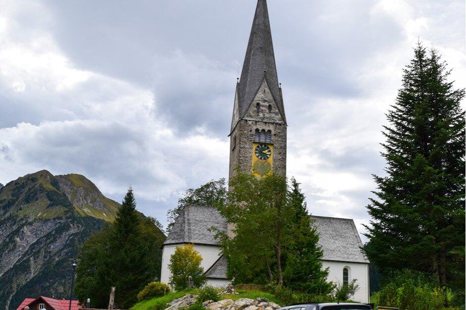 Pfarrkirche St. Jodok in Mittelberg im Kleinwalsertal