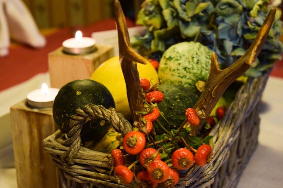 Gut essen im Kleinwalsertal - Tischdeko im Wirtshaus Hoheneck