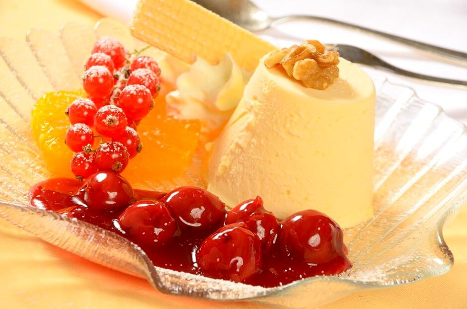 Fir honey parfait - the perfect gift for gourmet travelers