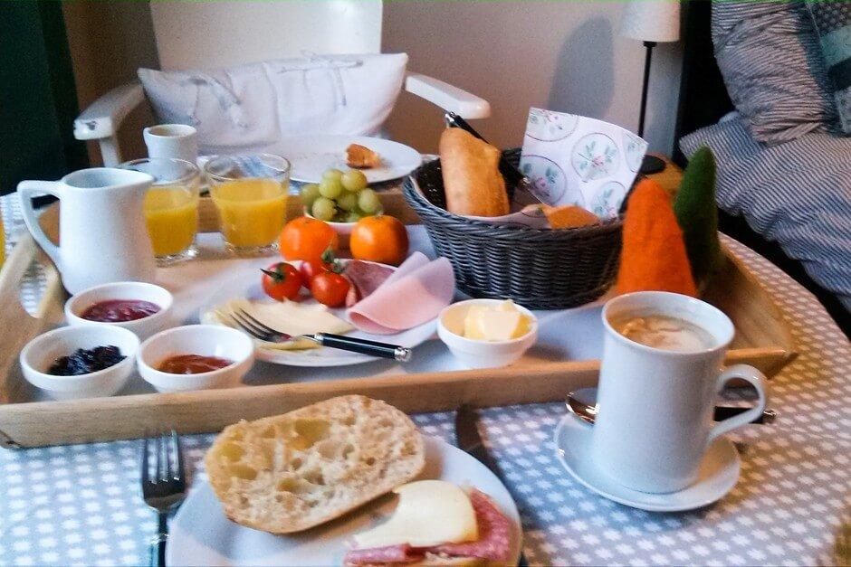 Frühstück in der Ferienwohnung wie Daheim