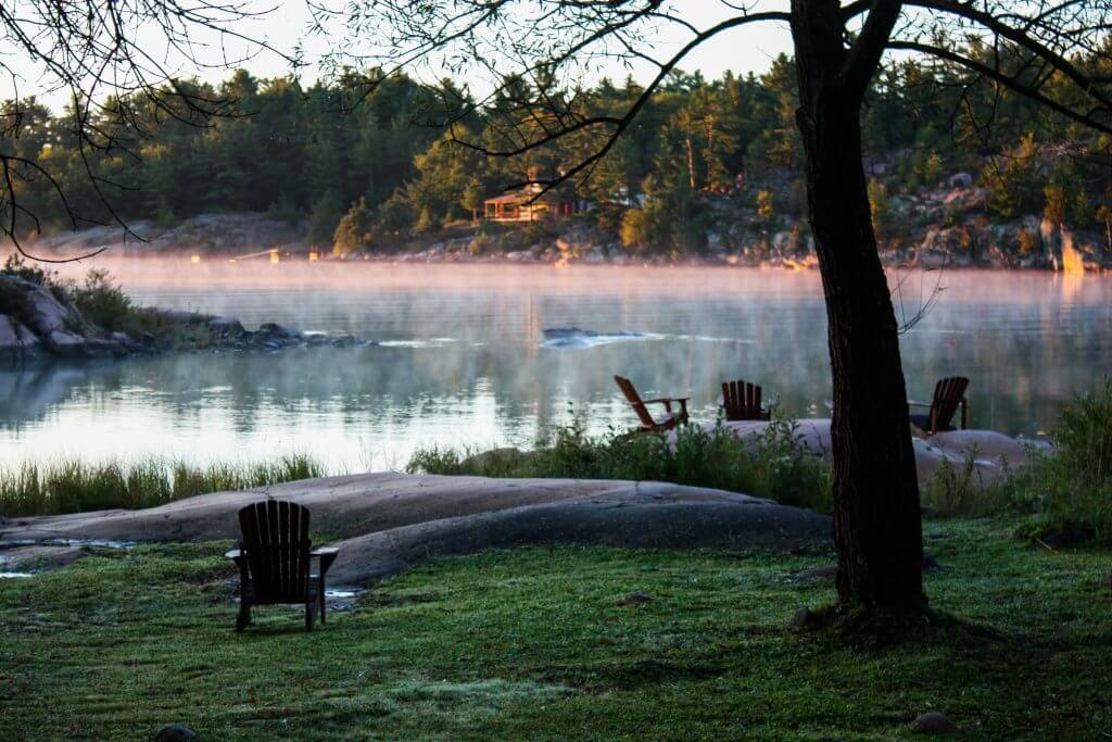 Morning mood in Muskoka - traveling slowly in beautiful places