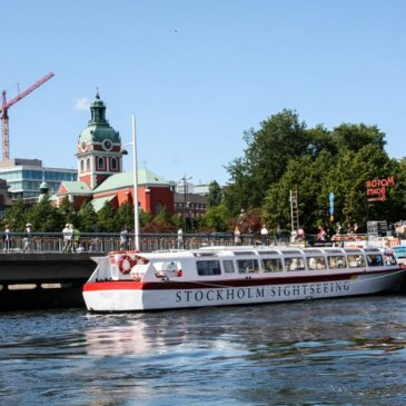 Boat tours through Stockholm