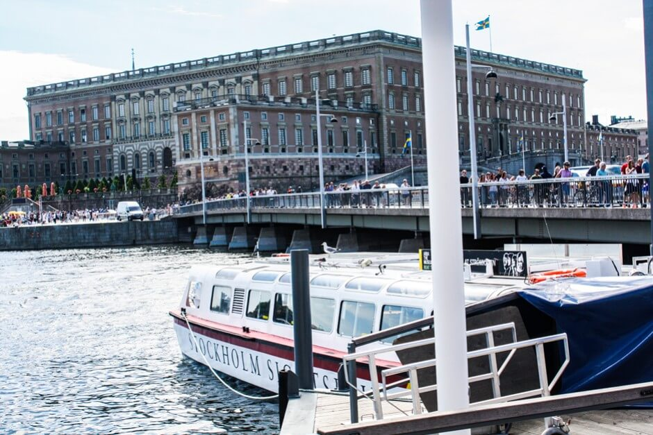 Stockholm Sightseeing per Boot - Das Schloss in Stockholm