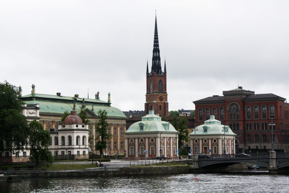 Das schwedische Adelshaus Riddarhuset und die Riddarhomlskyrk in Gamla Stan