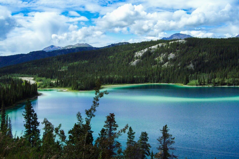 Emerald Lake im Yukon Territorium
