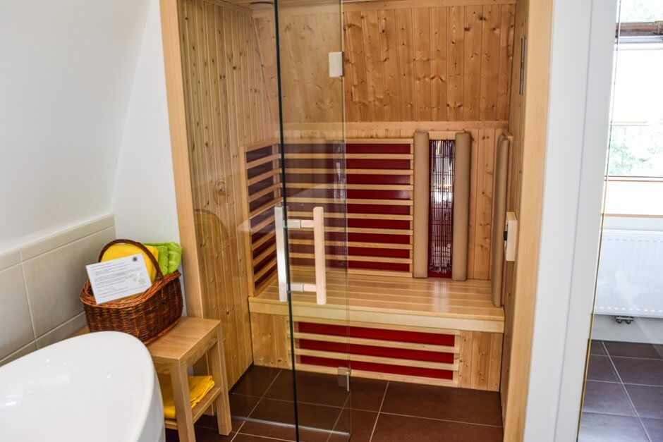 hotelsuite mit sauna in loipersdorf travelworldonline traveller. Black Bedroom Furniture Sets. Home Design Ideas