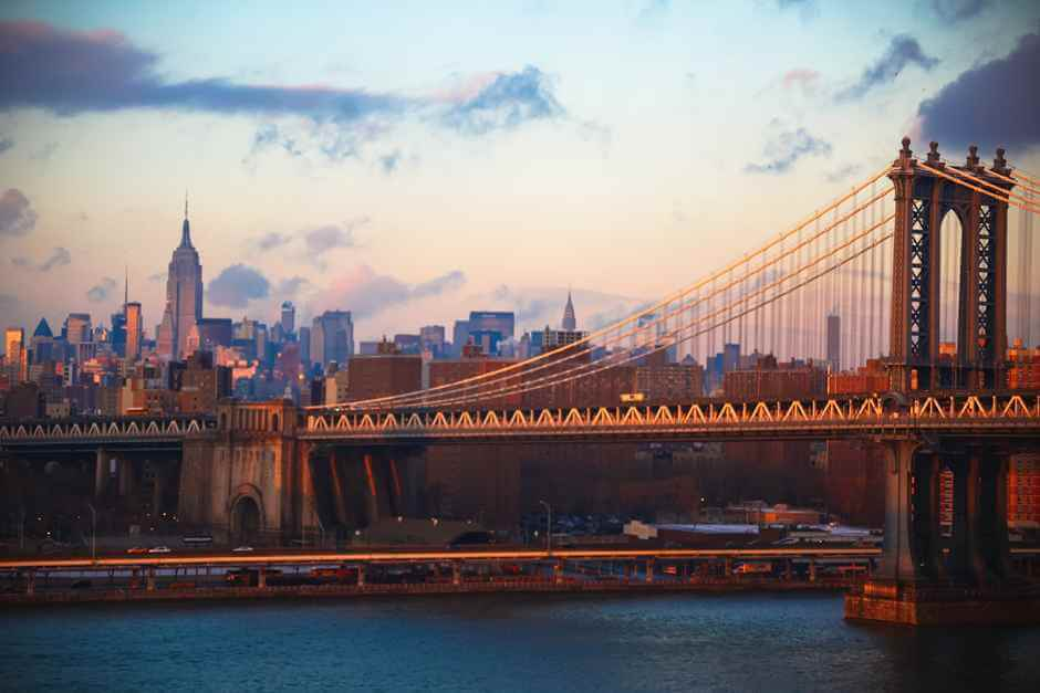 New York attractions - the skyline with Brooklyn Bridge