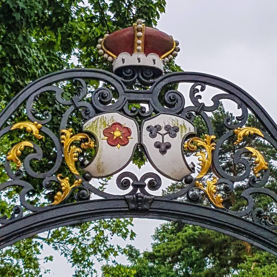Fürstliches Eingangstor zu Schloss Proschwitz