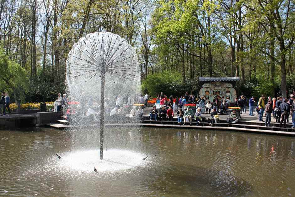 Spring fever in the Keukenhof, when you enjoy the first rays of the year