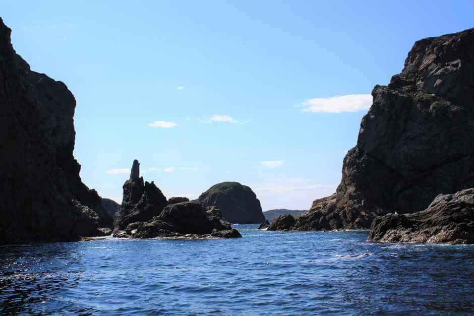 Raue Felsklippen vor Twillingate Neufundland