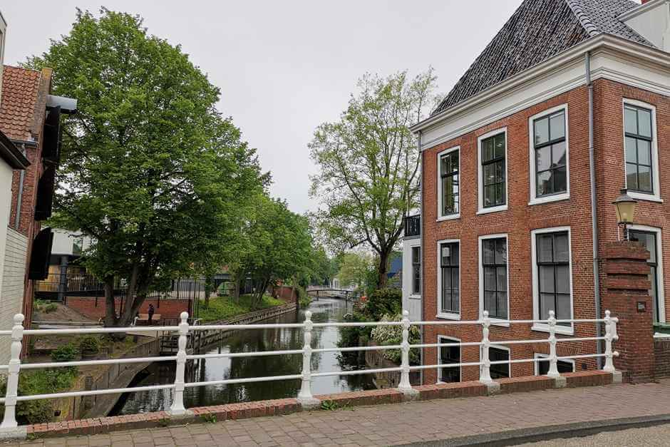 Idyllic living on the canal - the Dutch North Sea coast
