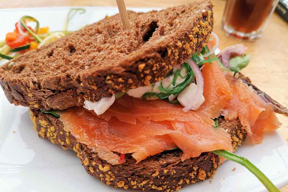 Smoked salmon sandwich - a Texel tip for foodies