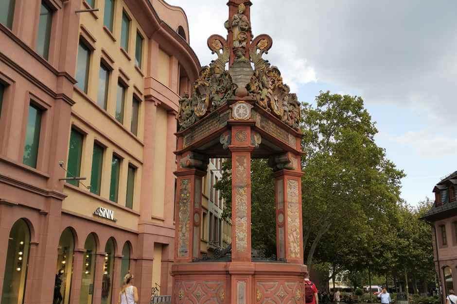 Renaissance-Brunnen am Markt in Mainz