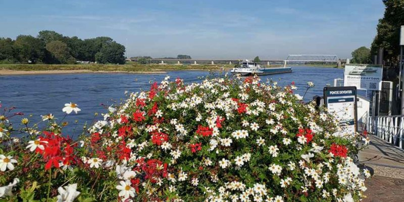 On the banks of the IJssel - Holland's beautiful cities - Hanseatic cities in Holland