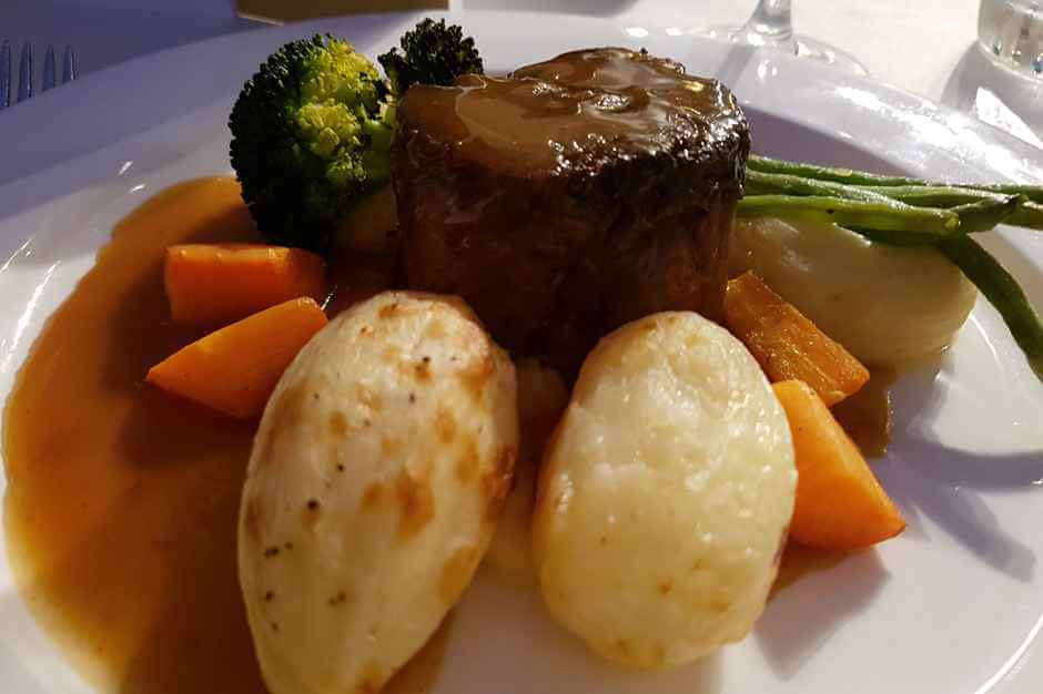 Featherblade of Scottish Beef with Chateaux Potatoes, Veggies and red wine jus